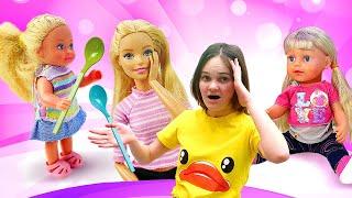 Видео с куклами – Барби и Кира Как Мама для Штеффи и Беби Бон! – Смешные игры для девочек.