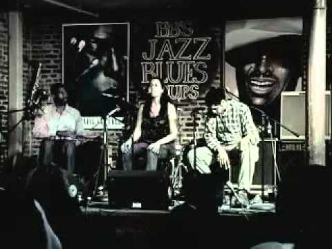 Carolina Chocolate Drops Interview (St. Louis 2007)