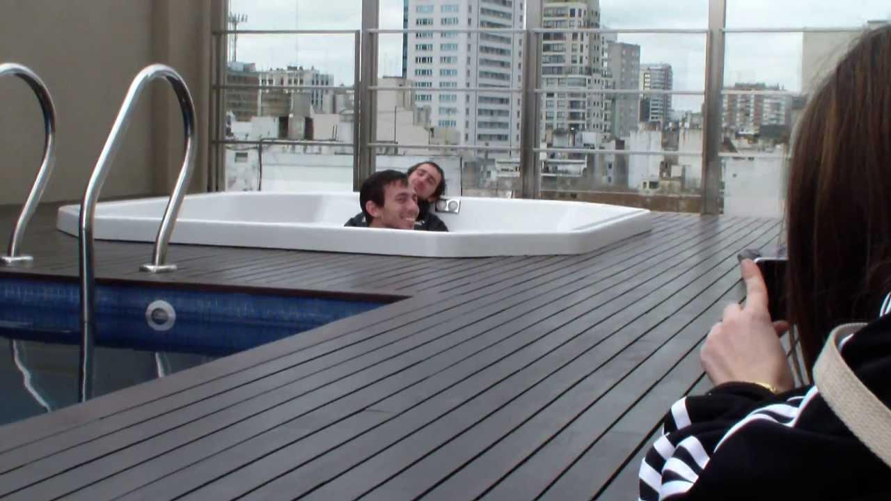 Paseando por bs as el jacuzzi en la terraza youtube - Jacuzzi en la terraza ...