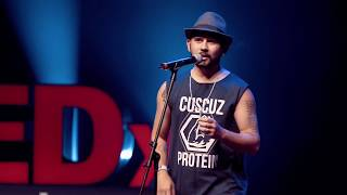 A poesia que transforma | Braulio Bessa | TEDxFortaleza