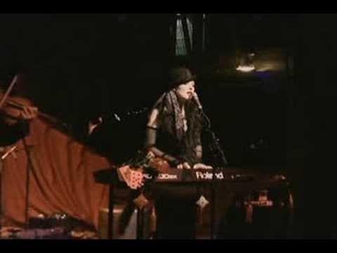 Jill Tracy - Room 19 live