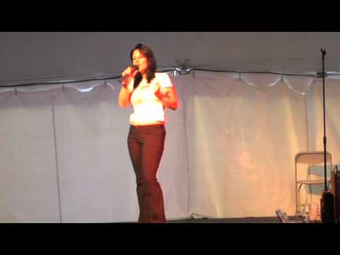 she-is-the-king-sings-'milky-white-way'-elvis-week-2008