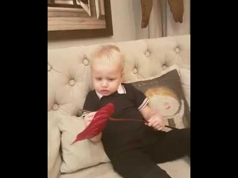 2-х летний сын Ксении Собчак, Платон поздравил ее с днем рождения стихами