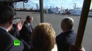 Лукашенко показал Путину электробус, БелАЗ, беспилотники и достижения текстильной промышленности