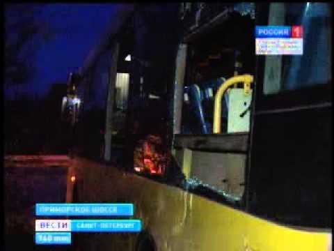На Приморск. ш. столкнулись 2 маршрутки без пассажиров