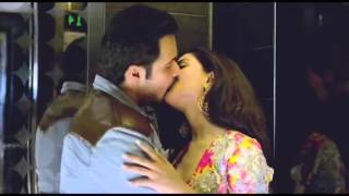 Repeat youtube video (HD) Raja Natwarlal: Humaima Malik All Kissing Scenes