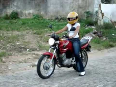 GISELE ROCHA -NO TREINO DE MOTO... AUTO ESCOLA NOR...