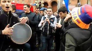 Վարորդներն ու քաղաքացիները փակել են Ազատության պողոտան