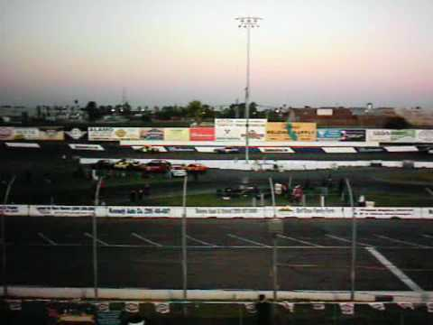 7th vid-Matthew Racing@ Stockton 99 Speedway 06-12-10 Laps 26-30, Knittel wins, Matthew 2nd..asf