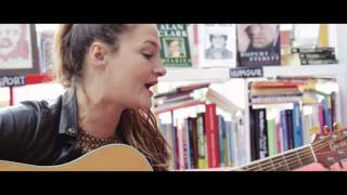 Amy Winehouse 'Wake Up Alone' cover: Shanade, Big Comfy Sessions