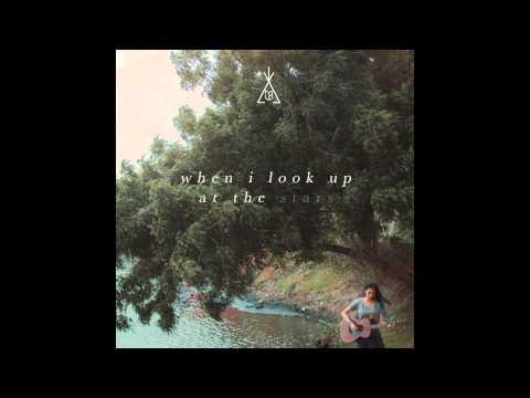 Clara Benin - Dust (Official Lyric Video)