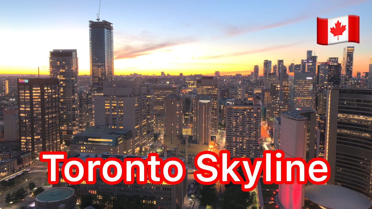 Toronto Skyline - New & Old City Hall, CN tower and more