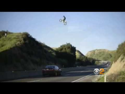Dangerous Stunt - Video Shows Man On Dirt Bike Flying Over Freeway In Moreno Valley - Marty's World