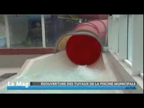 Les Toboggans De La Piscine Youtube