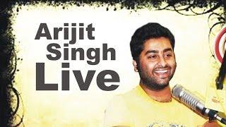 "Arijit Singh sings ""Muskurane Ki Wajah Tum Ho"" LIVE in the Radio Mirchi Studios"