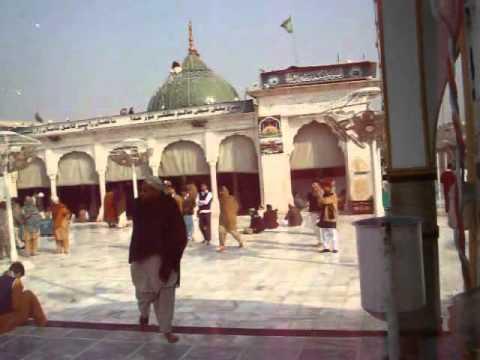 Azan at Data Darbar Lahore.mp4