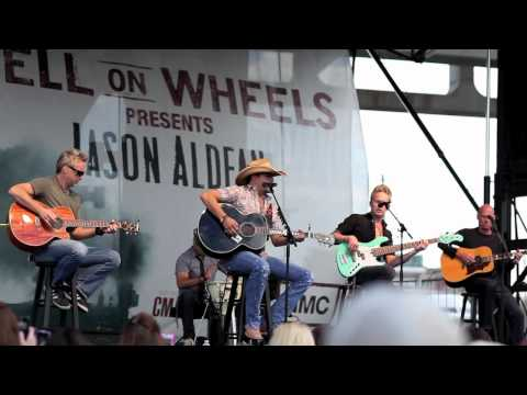 Jason Aldean - Dirt Road Anthem