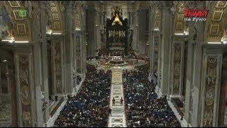 Liturgia Wigilii Paschalnej z Bazyliki Świętego Piotra w Watykanie