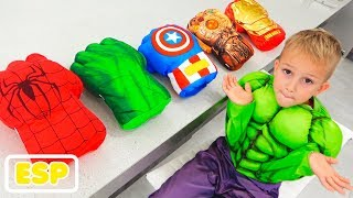 Vlad elige guantes de superhéroe