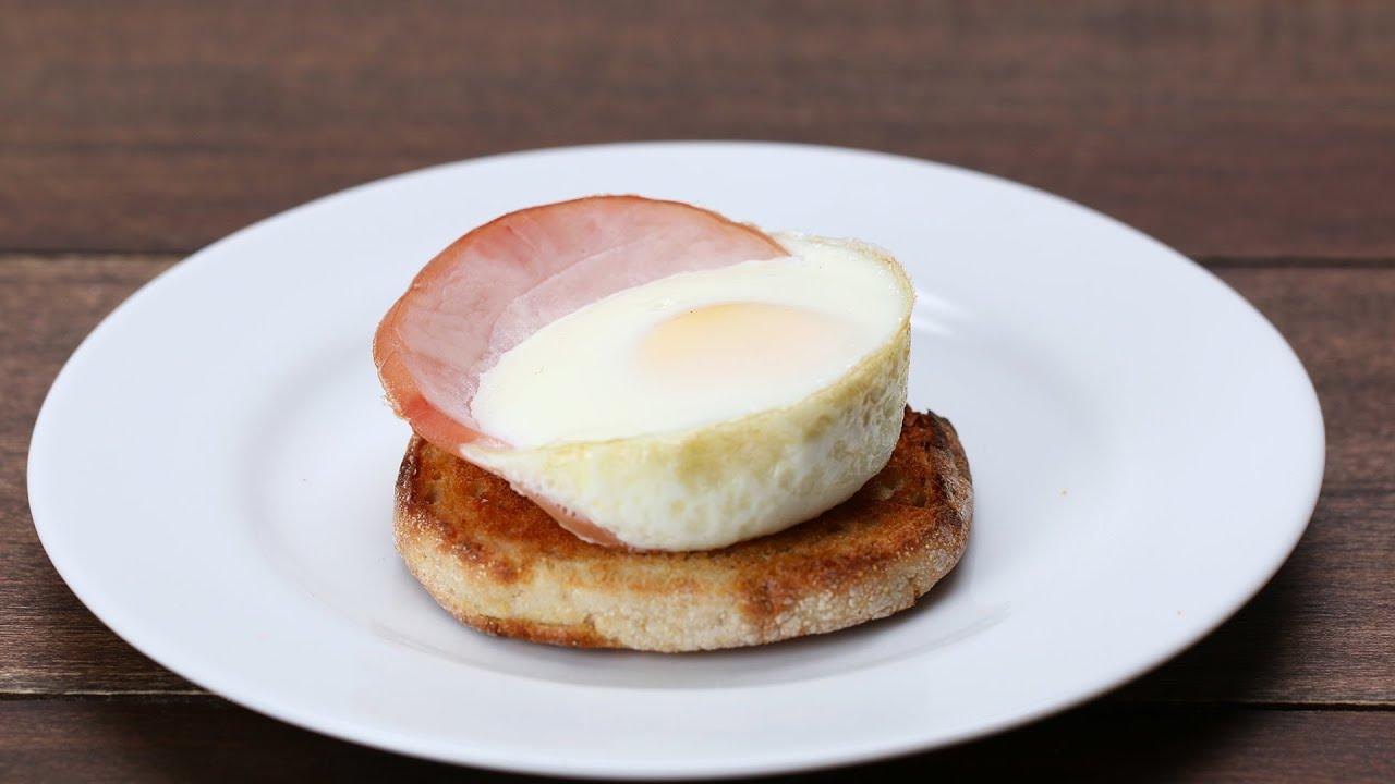 Baked Eggs Benedict Cups - YouTube