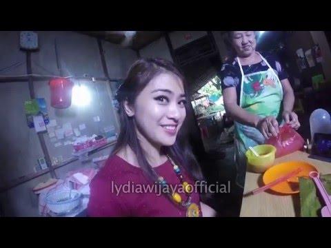 Lydia Wijaya - Kuliner Singkawang