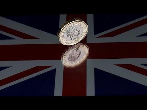 Фунт падает ввиду политической неопределённости