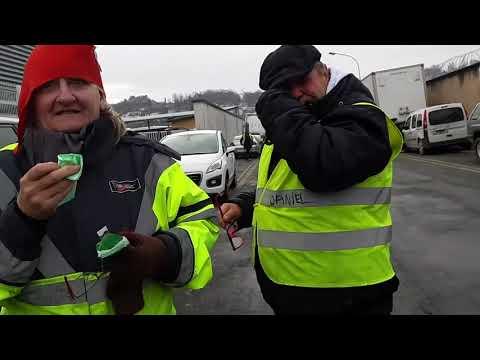 Echauffourées entre les gilets jaunes et la police à Périgueux