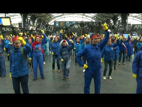 afpde: Flashmob in Paris gegen die Rentenreform   AFP