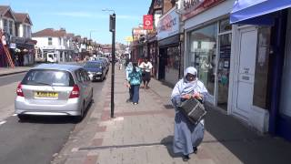 "Walking on London's ""Little India Street"" East Ham High Street, Newham, E.6. (on a hot summer's day)"