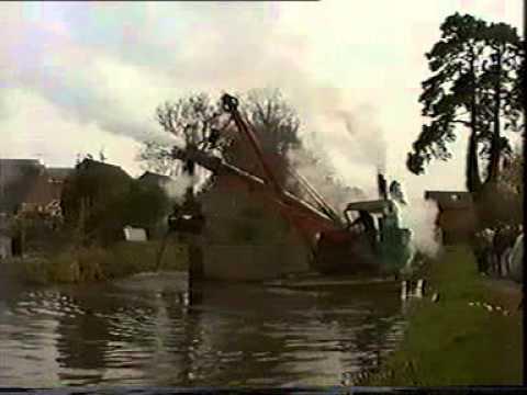 """""""Perseverance"""" steam dredger on the Basingstoke Canal"""