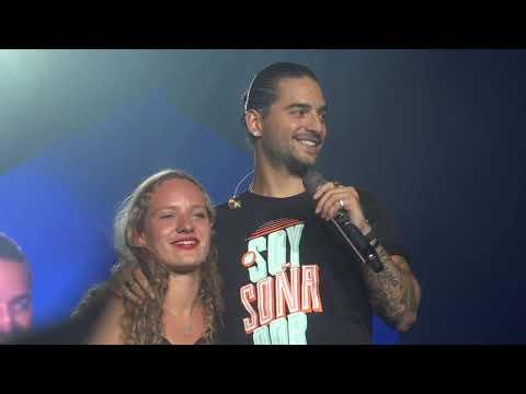 Maluma Kisses Fan, El Perdedor (Live In Brussels, FAME Tour - Palais 12) HD
