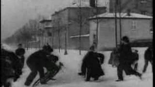 Video Bataille de Boules de Neige (Louis Lumière, 1896) download MP3, 3GP, MP4, WEBM, AVI, FLV Juni 2017