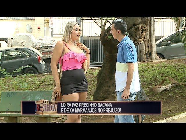 Bonitona quer mostrar a calcinha e tira marmanjos do sério