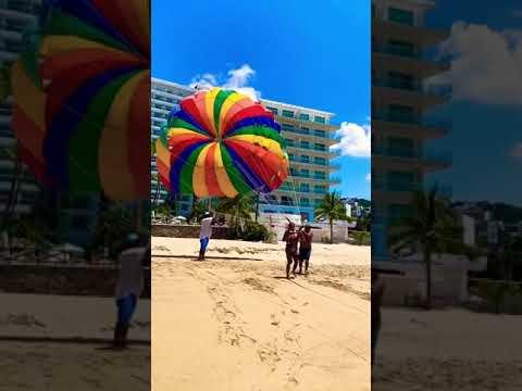 Volando en Acapulco 😃