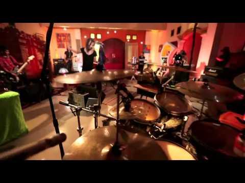 Ipang Lazuardi - Gak Ada Takutnya (Live at Music Everywhere) **