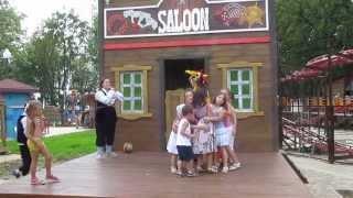 Весёлый хоровод Парк Горького Харьков Jolly train Kharkiv Gorky Park(, 2013-07-13T17:03:29.000Z)