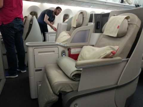 Royal Jordanian Airlines Crown Business Class Boeing 787 - 800 Hong Kong To Bangkok