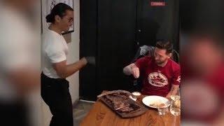 Messi visita al cocinero mas famoso del mundo y le imita echando sal ⚽ REVIEW ⚽ 2018