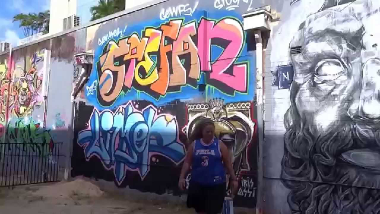 Graffiti wall cairns - Cairns Street Art