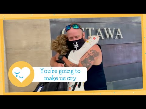 Biological Siblings Meet For Very First Time After 10 Year Search
