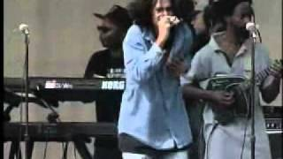 Gambar cover DAMIAN MARLEY - love and inity (Live)