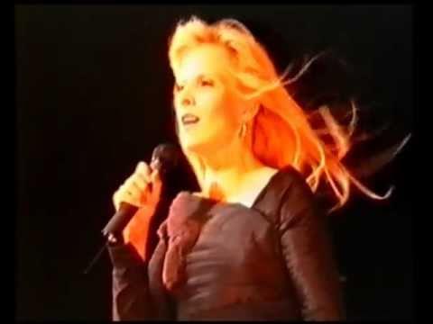 """SYLVIE VARTAN """"L'HYMNE A L'AMOUR"""" D'Edith Piaf, JAPAN TOUR 92"""