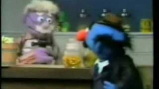 Sesame Street Simon Soundman Buys a Saw