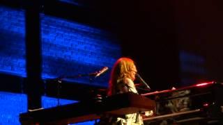 Tori Amos - Oysters - Linz 2014 FULL HD