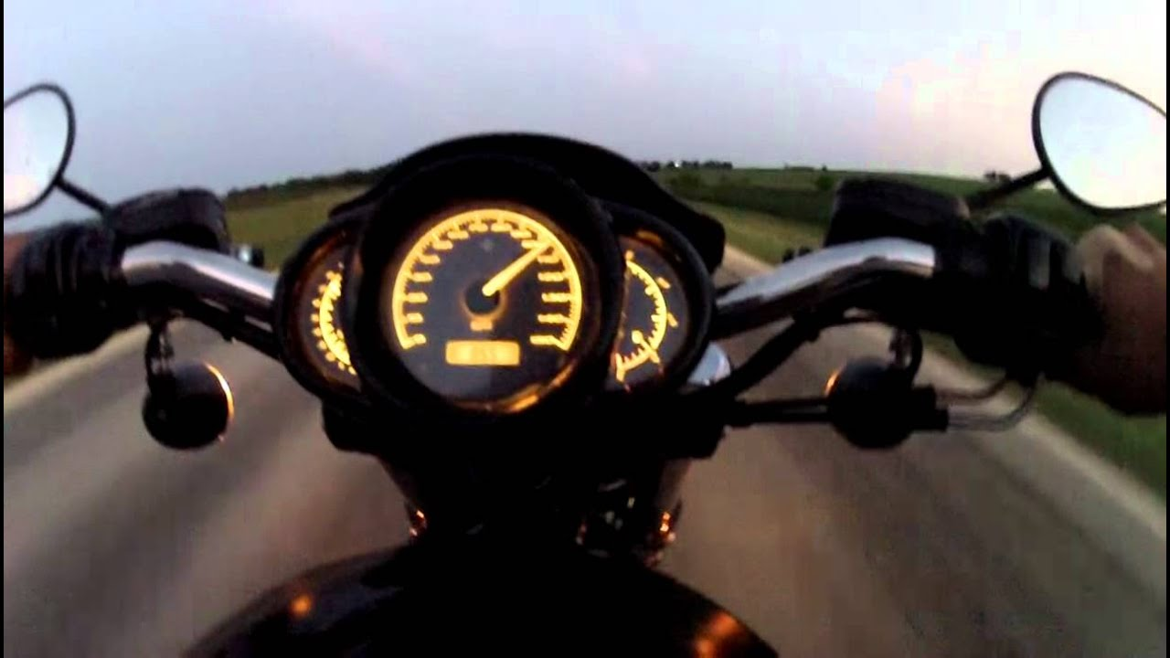 Harley Night Rod Special 120mph - YouTube