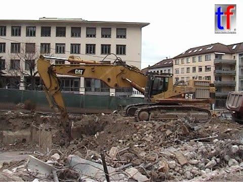 CATERPILLAR 365B L @ Work /  Olgastr., Stuttgart, Germany,  24.02.2010.