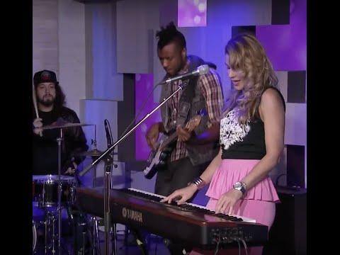 Ivana Santilli - She Ain't Rock 'n Roll (live BT on 12 -10- 15)