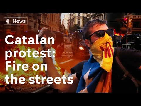 Catalonia Protesters Bring Barcelona To Standstill