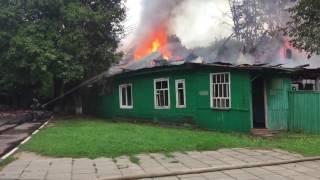Опубликовано видео пожара бывшего здания психиатрической больницы в Подмосковье(, 2016-08-24T15:13:42.000Z)