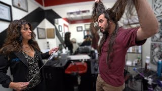Max Donates 15 Inches to Wigs 4 Kids!